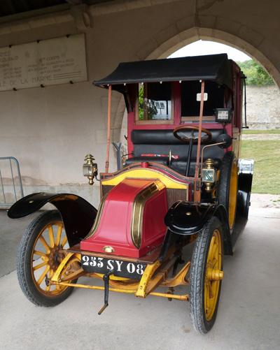 Authentique taxi de la Marne