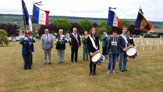Délégation au cimetière militaire franco-allemand de Dormans pour déposer une gerbe