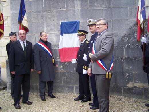 Dévoilement de la plaque marquant l'inscription du monument au « Patrimoine du XXe siècle »