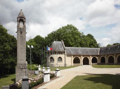 Lanterne des morts (the lantern of the dead) +  The cloister | Dormans memorial