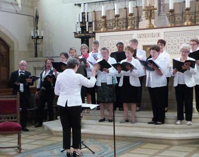 Chorale paroissiale sous la conduite de Valérie LITOUX