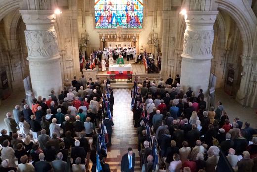 Messe du Souvenir, célébrée par le père Joël MORLET