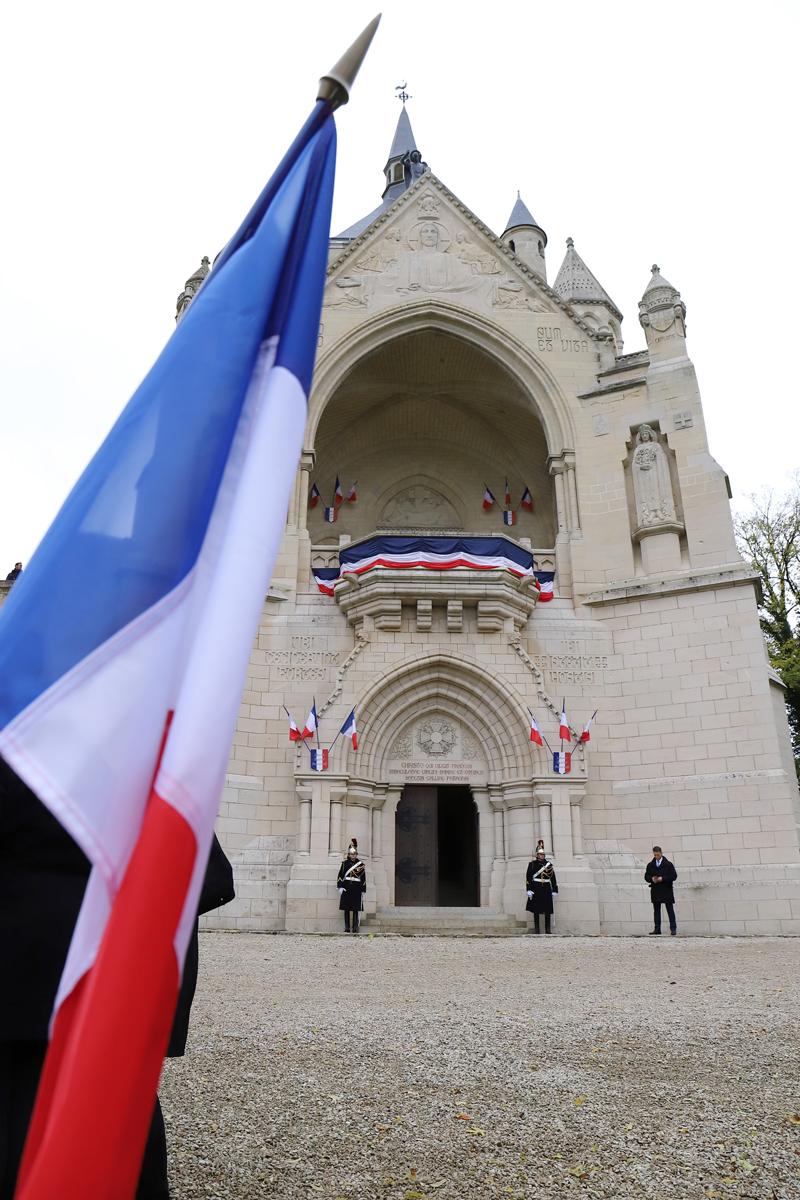 le Mémorial de Dormans pavoisé pour la venue du Président de la Répubique